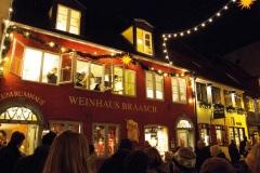Rote-Strasse-Weihnachten-Fensterkonzert-Piffari